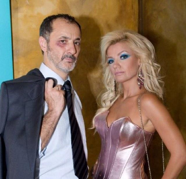 Stelios Mainas and Panayiota Vlanti in Mavra mesanyhta (2008)