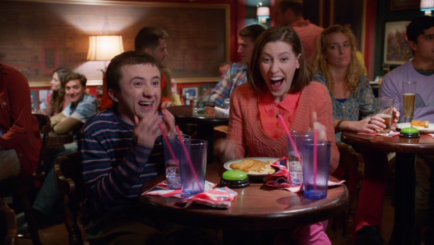 The Middle (Una Familia Modelo) 9×21 – La escalera real