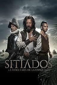 Andrés Parra, Benjamín Vicuña, and Ricardo Abarca in Sitiados (2015)