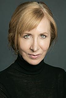 Elizabeth Moynihan Picture