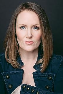 Jenn MacLean-Angus Picture