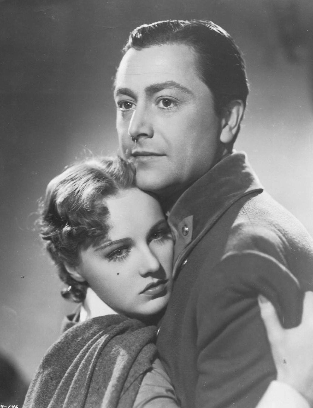 Robert Young and Helen Gilbert in Florian (1940)