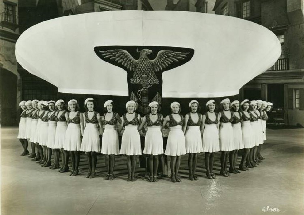 Monica Bannister, Jan Holm, Amo Ingraham, Claire James, Carole Landis, Ethelreda Leopold, Diana Lewis, Lois Lindsay, Peggy Moran, Gwen Seager, Janet Shaw, Rosella Towne, Helen Blizard, and Mary Rosetti in Gold Diggers in Paris (1938)