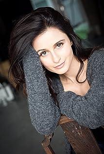 Melanie Papalia Picture