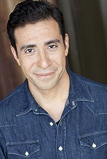 Armando Reyes Picture