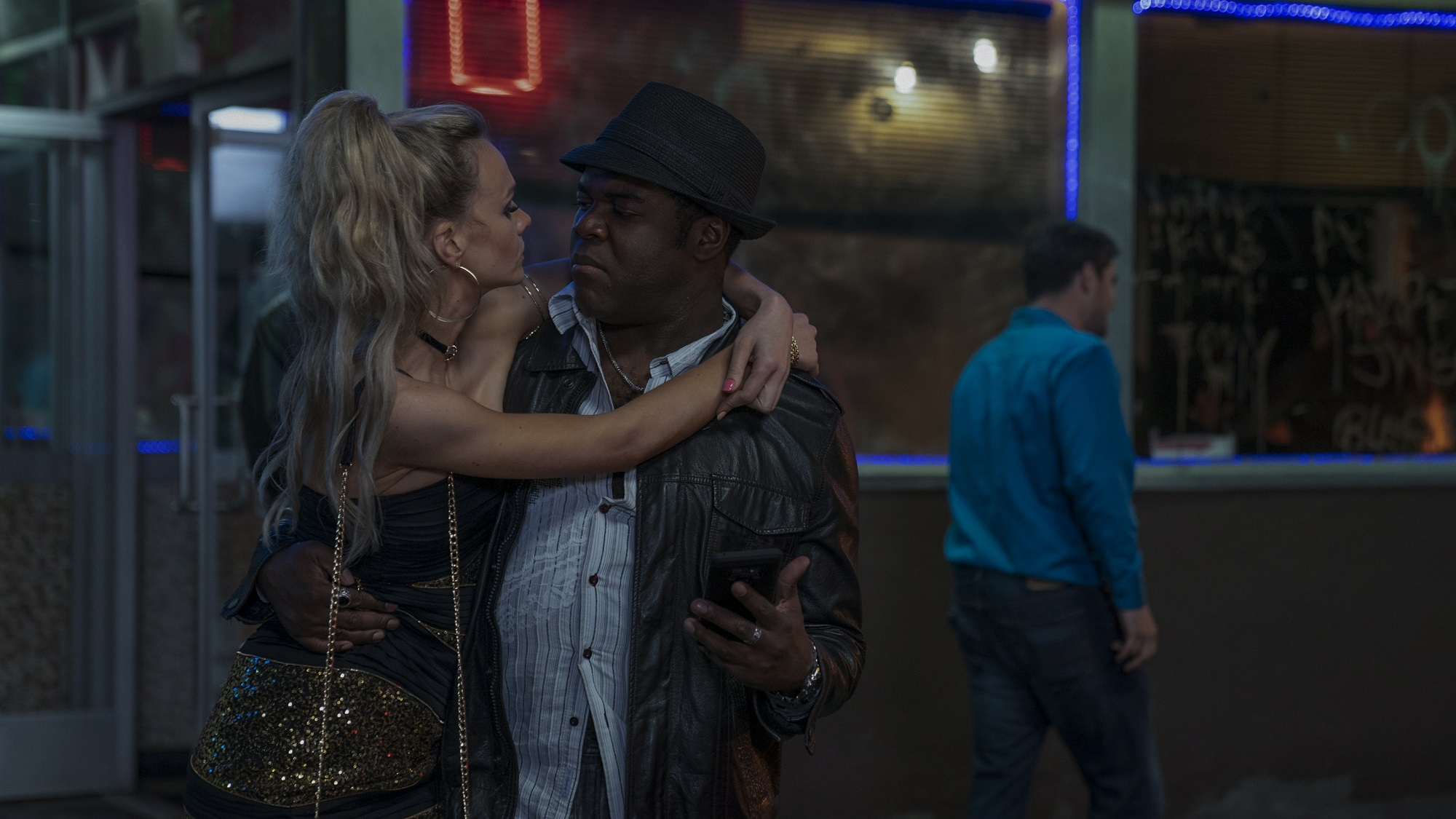 Carey Mulligan and Sam Richardson in Promising Young Woman (2020)