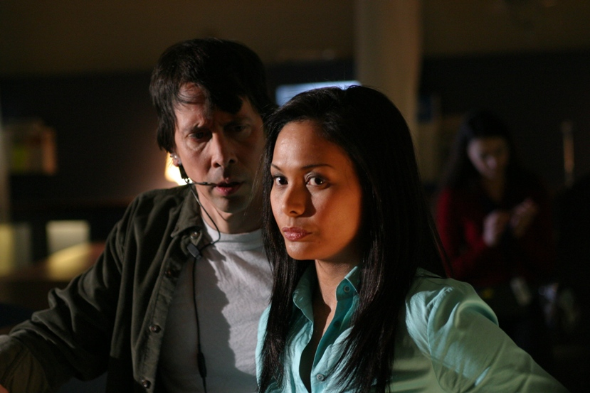 Still of Jane McLean and Bill Mondy in Terminal City and Episode #1.1