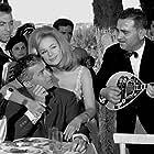 Dimitris Papamichael and Aliki Vougiouklaki in Htypokardia sto thranio (1963)