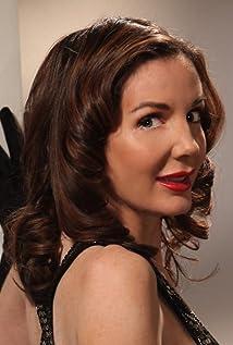 Hélène Cardona Picture