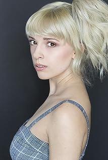 Kayli Mills Picture