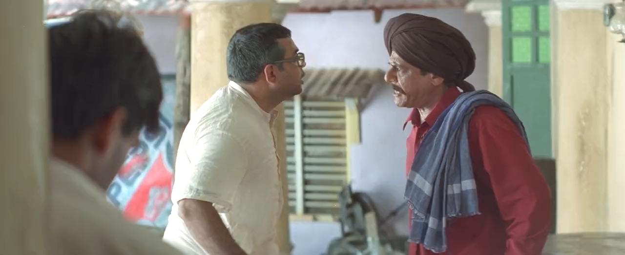 Om Puri and Paresh Rawal in Hera Pheri (2000)