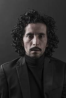 Raúl Briones Picture