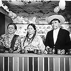 Elena Contla, José Ángel Espinosa 'Ferrusquilla', and María Elena Velasco in Pobre, pero honrada! (1973)