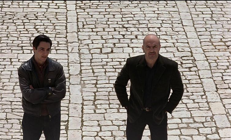 Peppino Mazzotta and Luca Zingaretti in Gatto e cardellino (2002)