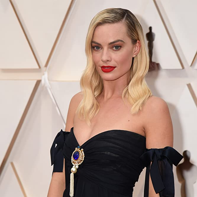 Margot Robbie at an event for The Oscars (2020)