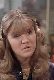 Mare Winningham in Starsky and Hutch (1975)