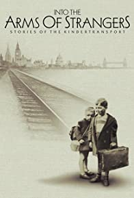 Primary photo for Into the Arms of Strangers: Stories of the Kindertransport