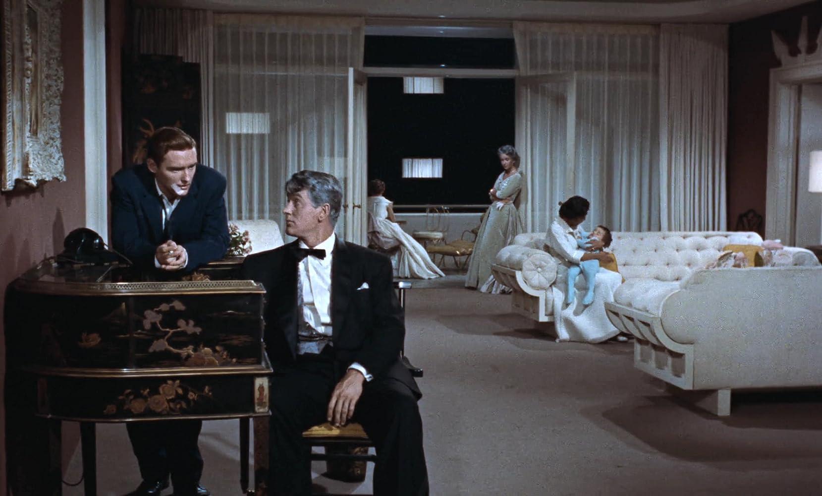 Elizabeth Taylor, Dennis Hopper, Rock Hudson, Carroll Baker, and Elsa Cárdenas in Giant (1956)