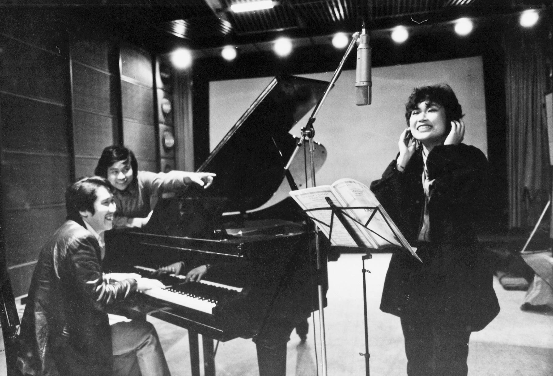 Kwok-Ming Cheung in Xing ji dun tai (1983)