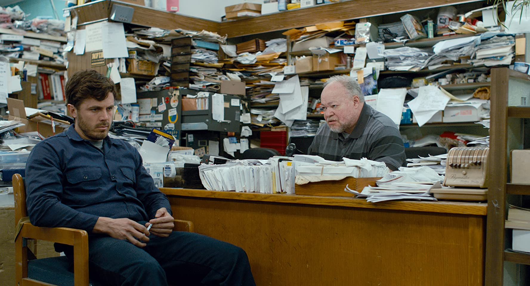Casey Affleck and Stephen McKinley Henderson in Manchester by the Sea (2016)