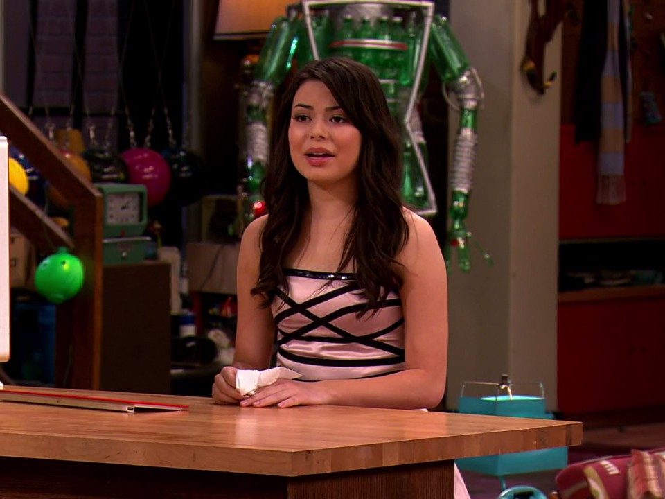 Watch iCarly Season 5 Episode 15: iGoodbye Online (2012