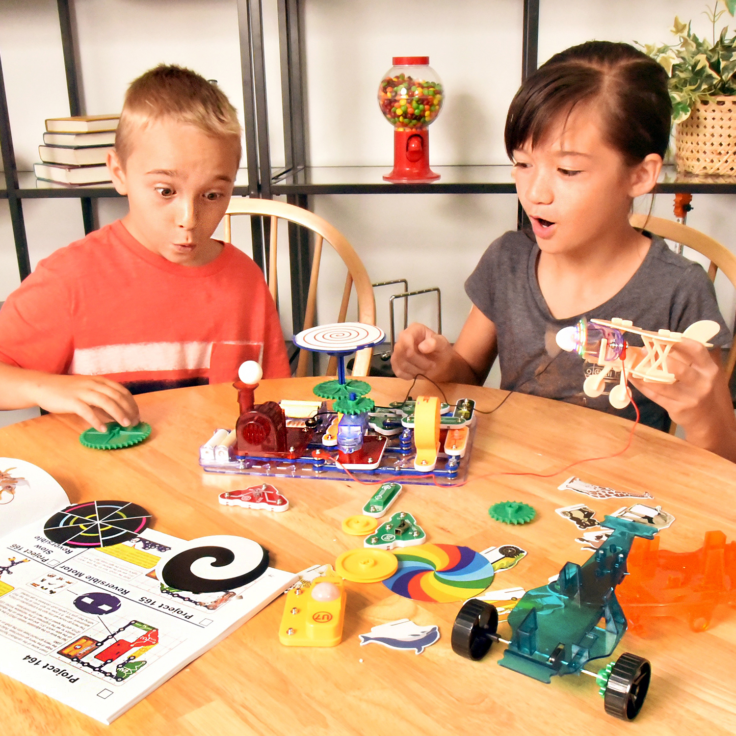 Elenco Snap Circuits Snaptricity Kit Build 75 Projects
