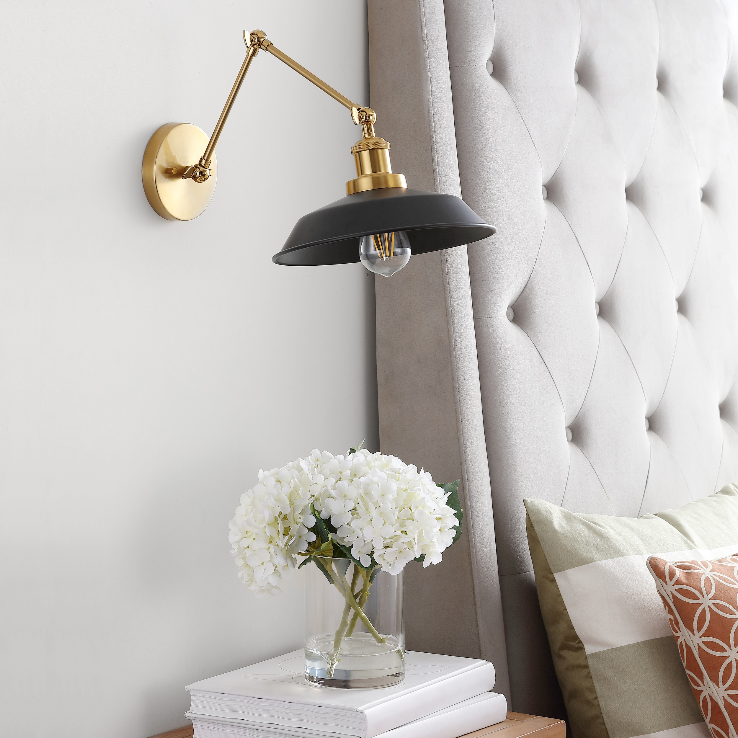 Safavieh Lighting Collection Cunningham Chrome 21-inch Wall Sconce