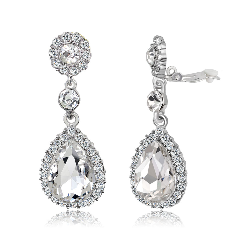 95b66122d38e9 Amazon.com: fake chanel earrings: Clothing, Shoes & Jewelry