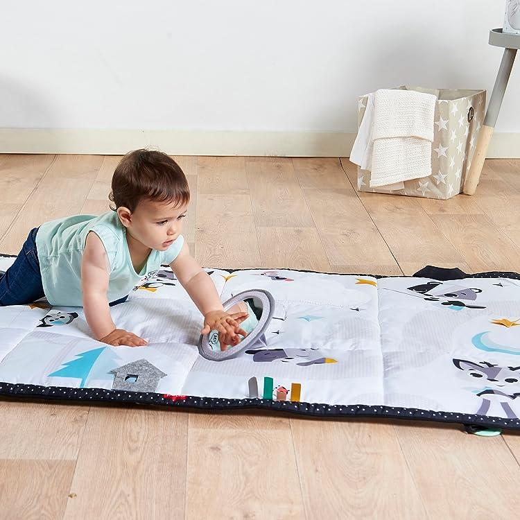 9a8cf99cf7e6 El Súper Mat de Tiny Love es un área de juegos extra grande para el  desarrollo que inspira la curiosidad del bebé y fomenta el desarrollo de  habilidades ...
