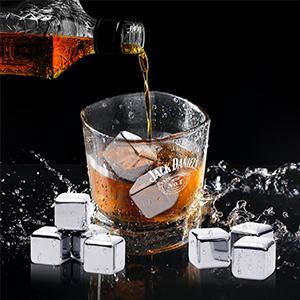 whiskey chilling rocks