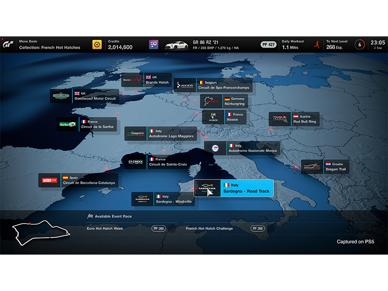 Screenshot of map and race tracks