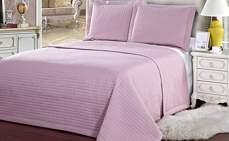 checkered quilted coverlet set