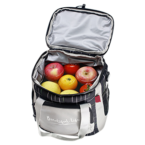 the lunch bag Adopt waterproof material and technology, that is waterproof and easy to clean