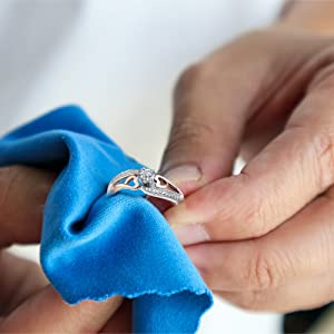 cleaning fine jewelry