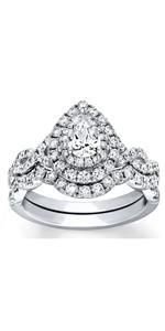 Bridal Set 1-1/2 ct tw Pear-shaped Moissanite Engagement Ring