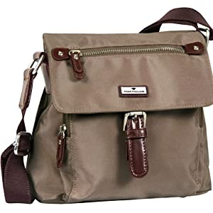Praktische Überschlagtasche mit zwei Vortaschenaus sehr leichtgewichtigem Nylon.