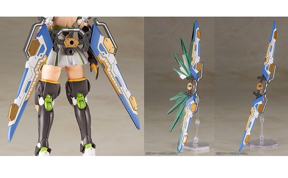 付属武器「フォシルトリクス」は納刀状態と展開状態を両翼の可動により再現。展開状態にはクリア刃を取り付けることが可能