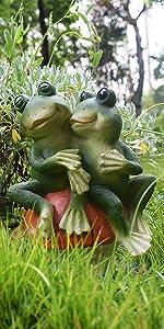 frog garden statues