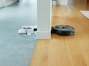 Dankzij Imprint Technologie kan de 981 samenwerken met de Braava M6 dweilrobot