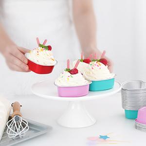 So lovely heart-shaped cream cake