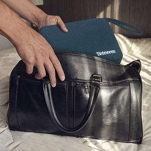 Tamaño compacto, se puede colocar en bolso, mochila, maletín sin problemas.