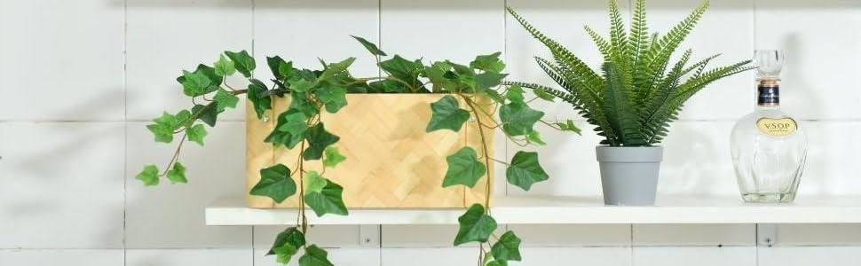 Deco for open shelf in basket