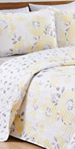 floral quilt set with watercolor flowers