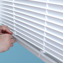Adjusting the Height of Blinds.