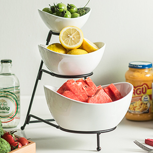 Serving stand is a combination of 3 different sizes