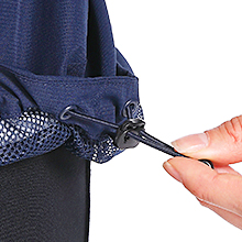 Slight drop-tail hem with drawcord hood adjustment allows you to fine-tune fit and coverage.