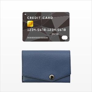 ほぼカードサイズ。なんと約6✕9cmの財布