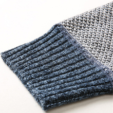 Knitted ribbed cuff and hem, it has good elasticity, comfortable touch, fit your wrist.