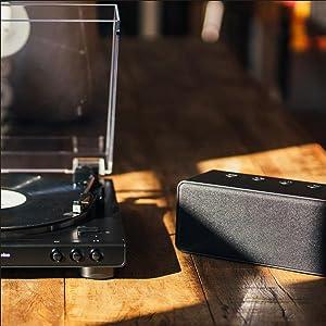 High-Fi audio with Bluetooth  technology
