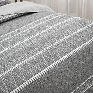 Grey quilt set